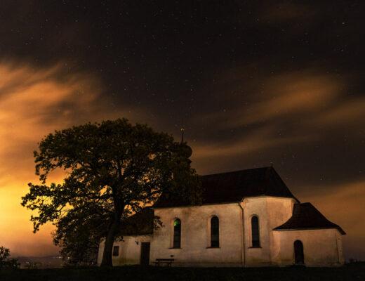 Haunted House Date Idea - List of Autumn Date Ideas