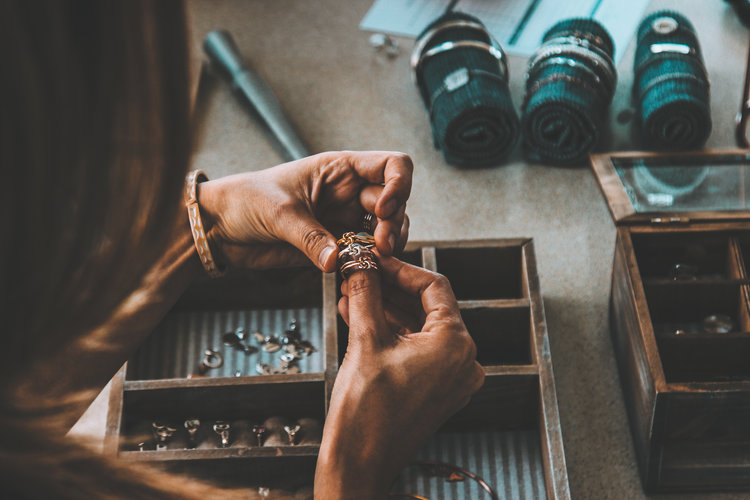 Jewelry Making Class Date - List of Unique Date Ideas