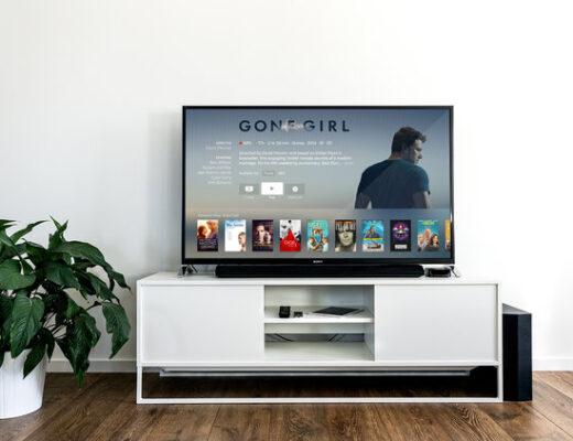 Netflix Date Idea - List of Cheap Date Ideas